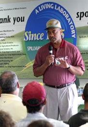 WSU President Floyd speaks to wheat growers and scientists at Spillman Field Day, July 12, 2007