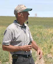 Howard Nelson talks about winter pea potential at the Lind Dryland Research Center field day.
