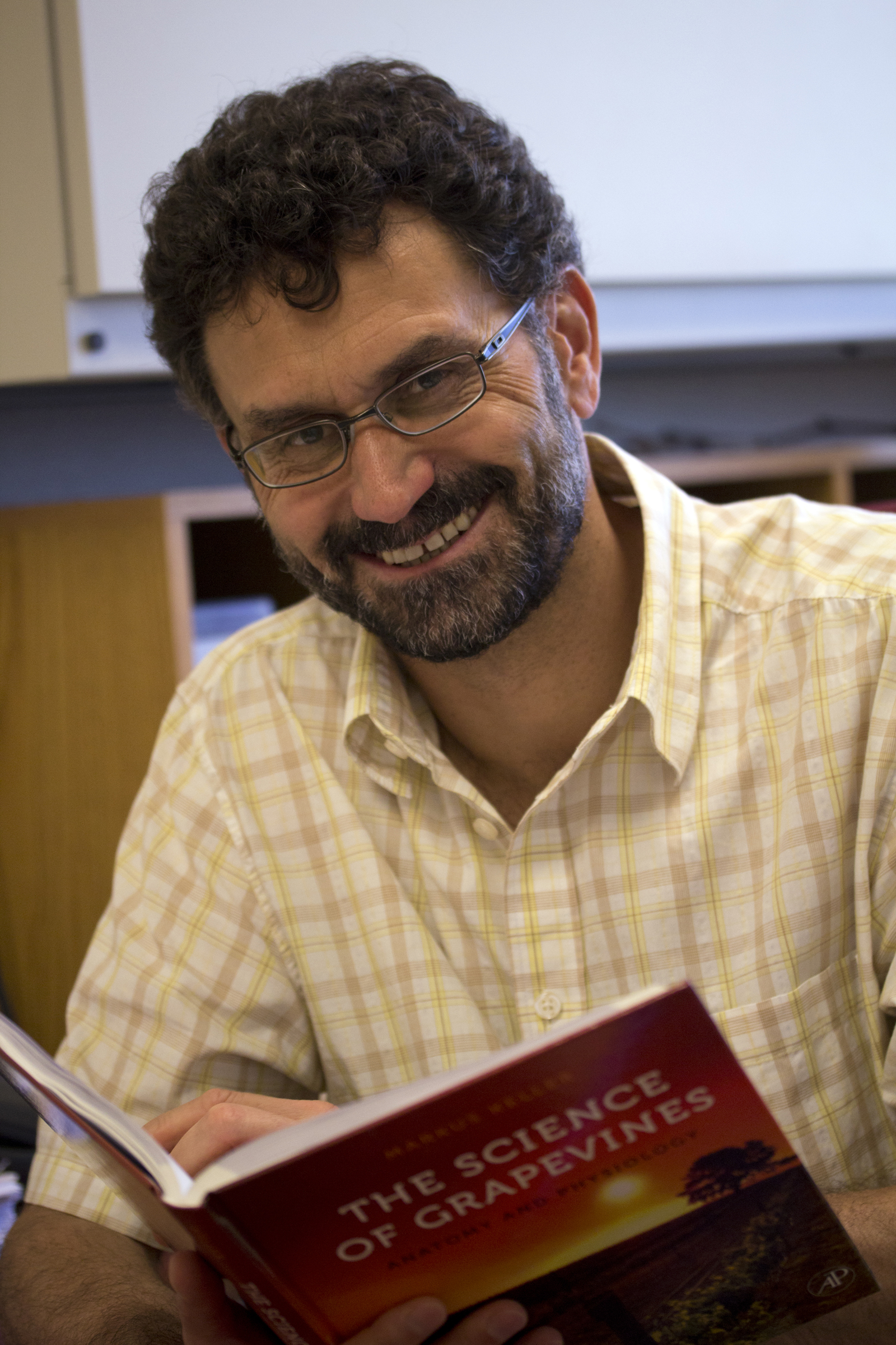 WSU Viticulture Prof\'s Book Wins Major International Prize | CAHNRS ...