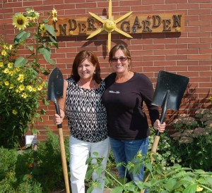 Linda Mauer (left) and Kitty Janowiak (right) in the Kinder Garden section of the Panther Giving Garden at Mt. Pilchuck Elementary. Photo courtesy of Linda Mauer.