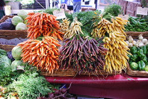 Colorful-carrots-at-farmers-market-by-Michael-Porter-CC-350-300x201