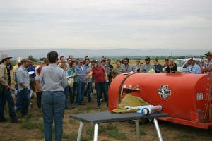 At the 2014 Viticulture Field Day, WSU's Gwen Hoheisel discussed air direction using an Airblast sprayer as an example. Is the spray actually going where you want it?