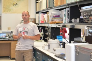 Hopkins talks about the cryogenic freezing program in the current WSU honey bee lab.